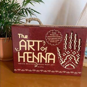 The Art of Henna Gift Set for Creating Body Art